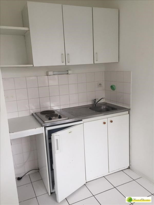 Location appartement Angouleme 405€ CC - Photo 1