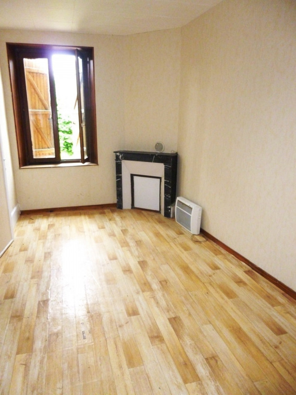 Investment property building Cires les mello 295000€ - Picture 1