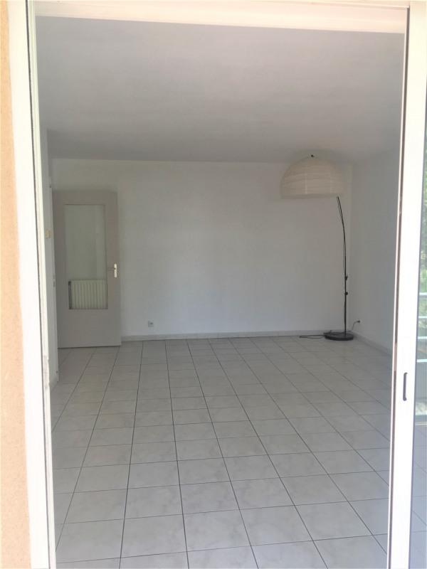 Location appartement Aubagne 955€ CC - Photo 3