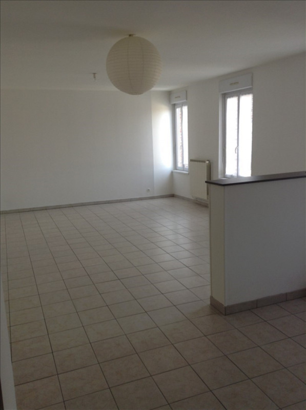 Rental apartment St quentin 575€ CC - Picture 1