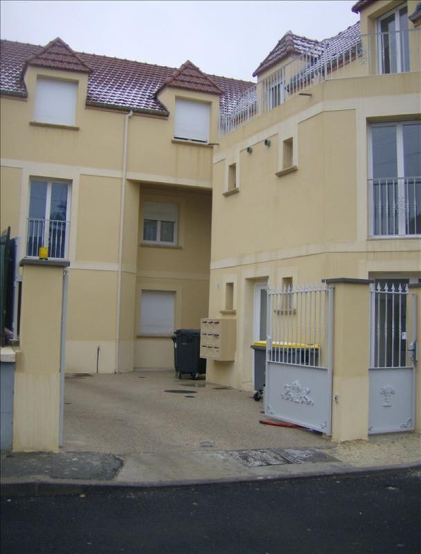 Location appartement Vaux le penil 540€ CC - Photo 1