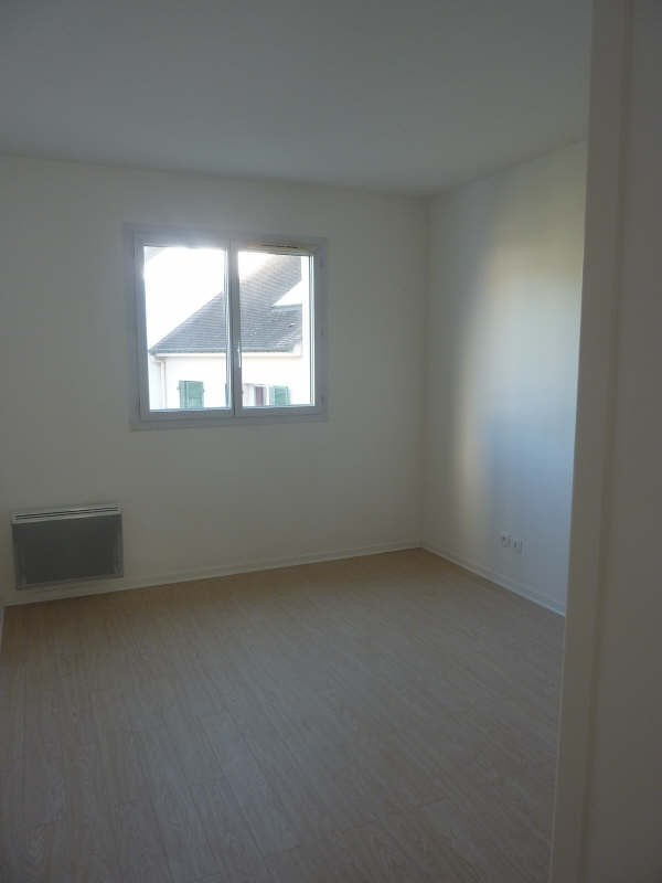 Rental apartment Claye souilly 960€ CC - Picture 5