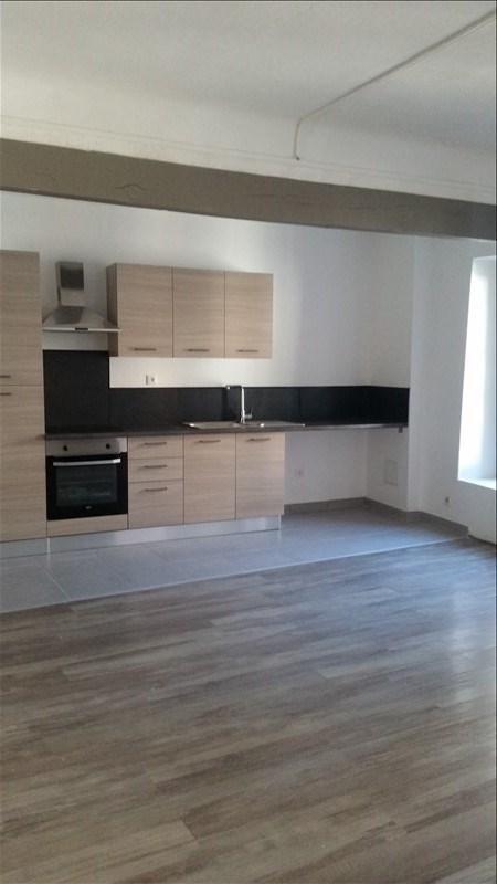 Rental apartment Bouc bel air 850€ CC - Picture 2