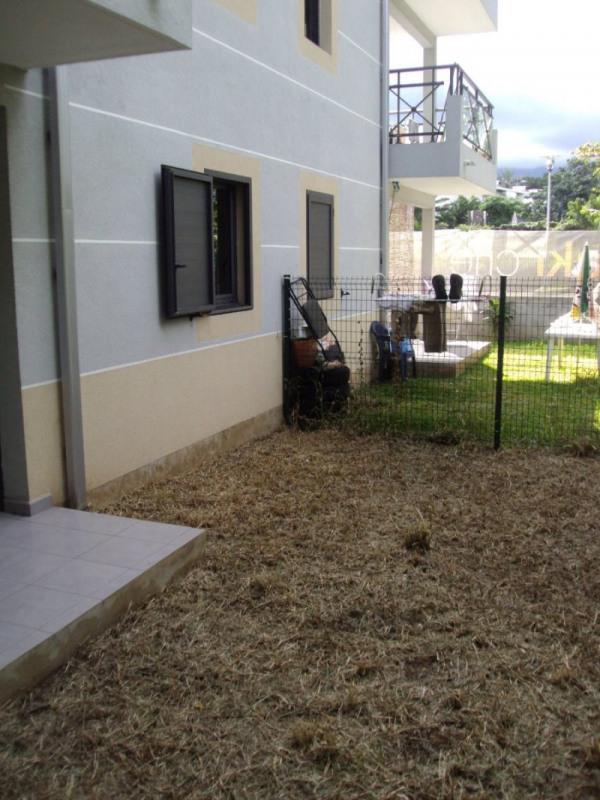 Rental apartment La riviere st louis 426€ CC - Picture 3