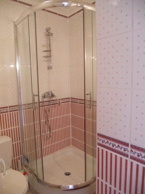 Vacation rental house / villa Saint-palais-sur-mer 438€ - Picture 12