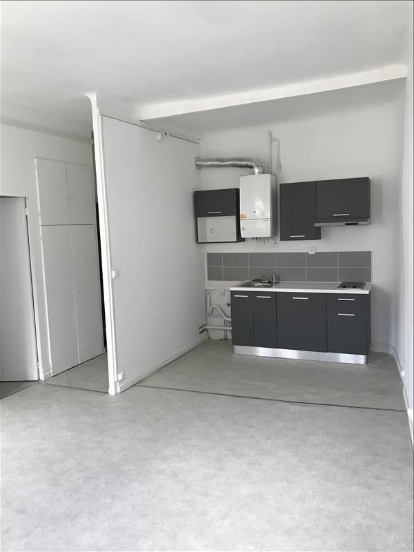 Location appartement Marseille 1er 435€ CC - Photo 3