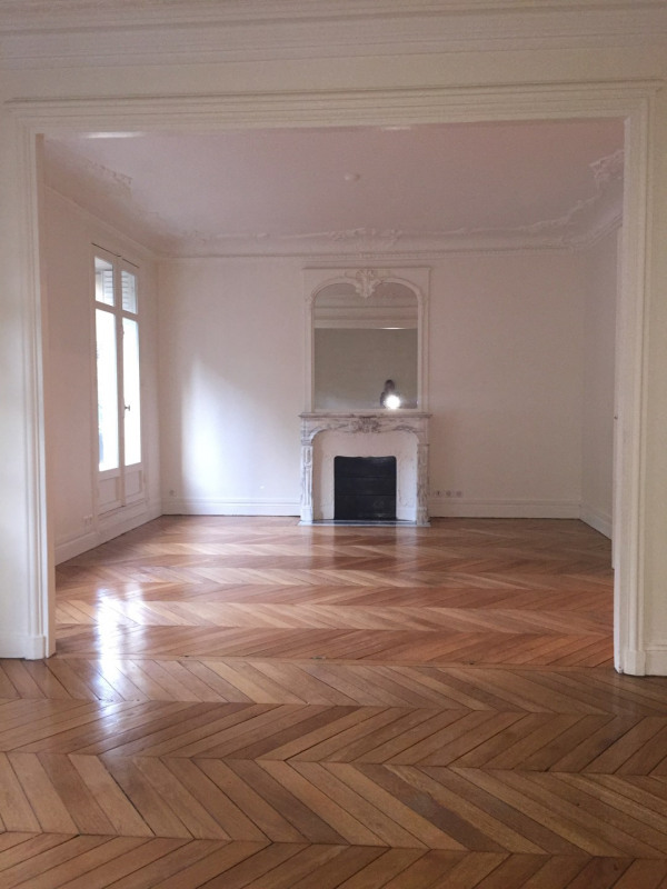 Location appartement Paris 8ème 2694€ CC - Photo 2