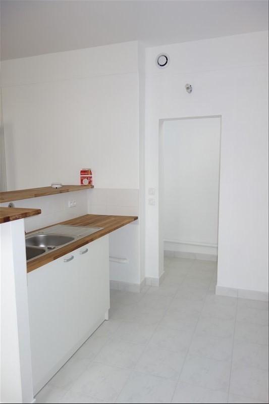 Location appartement Versailles 960€ CC - Photo 3