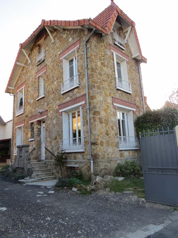 Sale house / villa Le mesnil le roi 470000€ - Picture 1