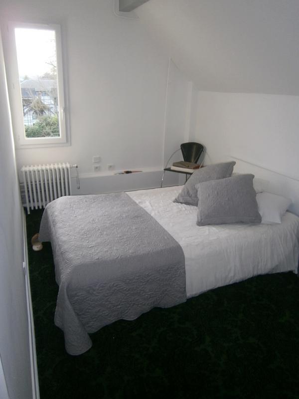 Location appartement Garches 990€ CC - Photo 3