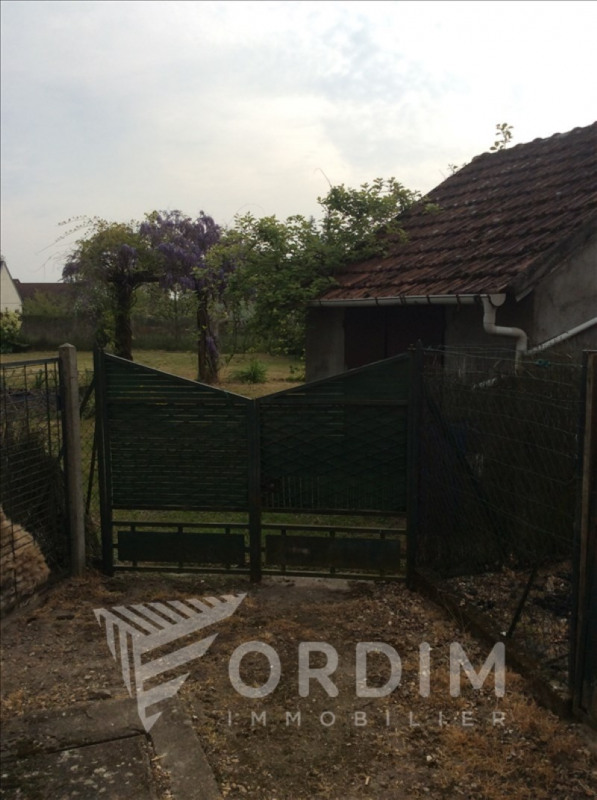 Location maison / villa Bonny sur loire 510€ CC - Photo 10