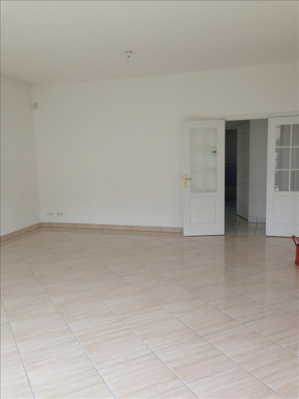 Rental apartment St quentin 1 150€ CC - Picture 5