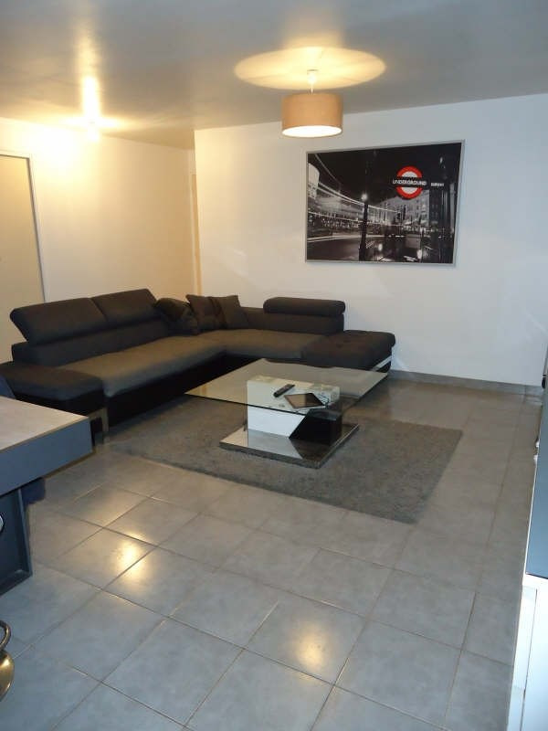 Rental apartment Bourg blanc 540€ CC - Picture 2