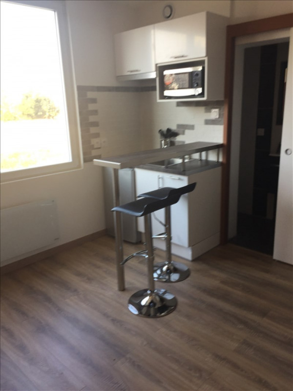 Rental apartment Athis mons 495€ CC - Picture 1