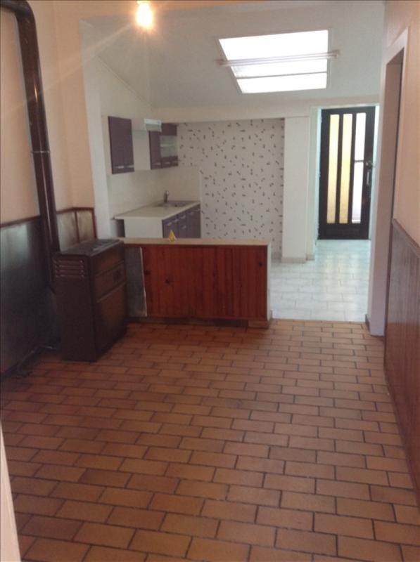 Rental house / villa St quentin 490€ CC - Picture 2