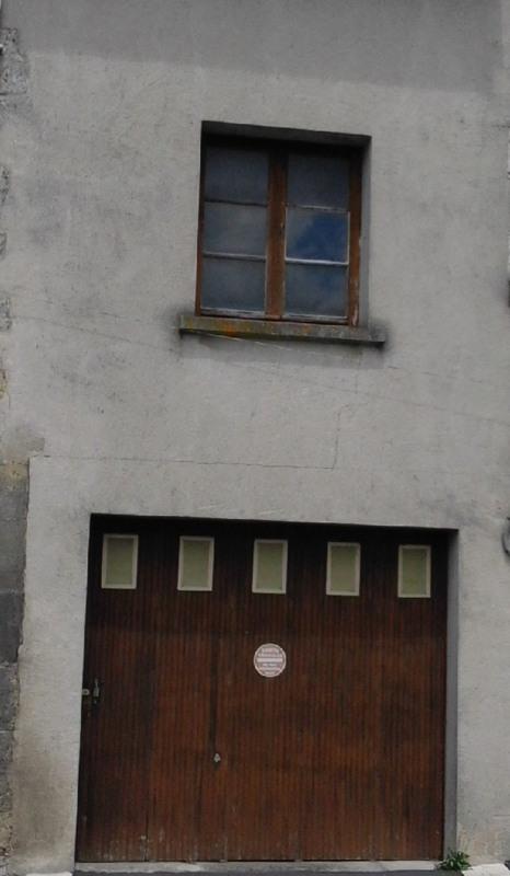 Rental parking spaces Barbezieux-saint-hilaire 70€ CC - Picture 1