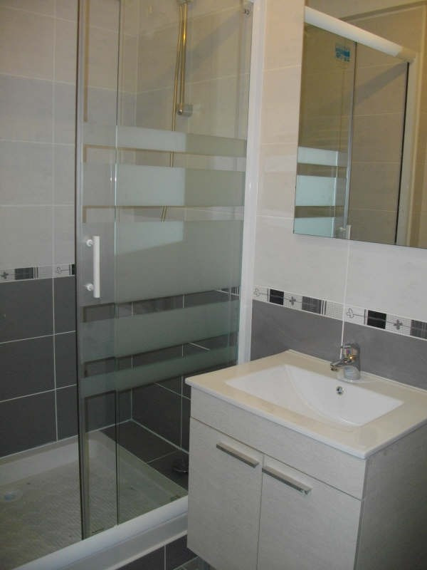 Rental apartment Viry chatillon 845€ CC - Picture 2