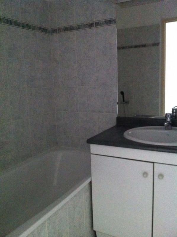 Rental apartment Seilh 529€ CC - Picture 5