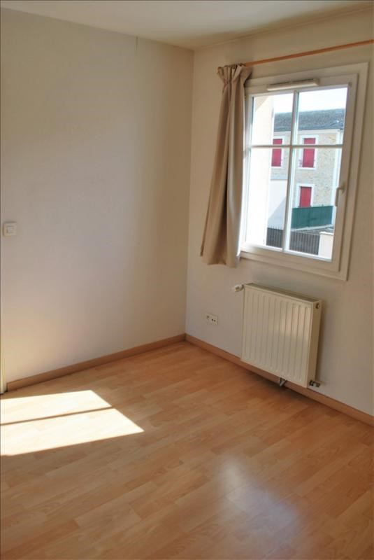Location appartement Rambouillet 832€ CC - Photo 4