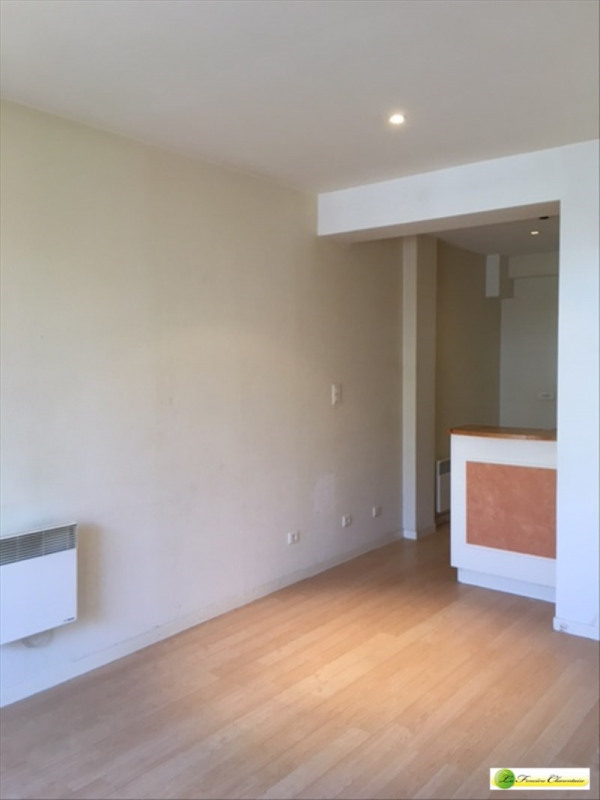 Rental apartment Angouleme 396€ CC - Picture 2