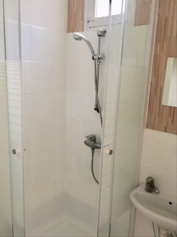 Rental apartment Clichy 700€ CC - Picture 3
