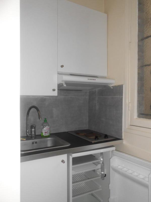 Location appartement Paris 18ème 660€ CC - Photo 2