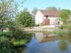 1pièce Dans un hameau agréable, joli bâtiment comprenant granges, anciennes étables et écuries sur une ...