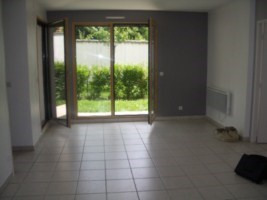 Rental apartment St genis laval 646€ CC - Picture 2