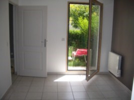 Rental apartment St genis laval 646€ CC - Picture 3