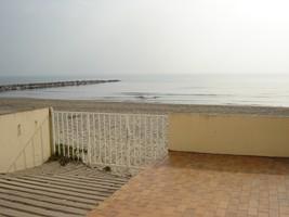 Location appartement Carnon plage 200€ CC - Photo 1