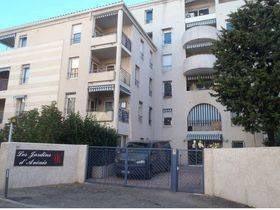 Au coeur du centre ville d'Avignon - P2 dans résidence de servic