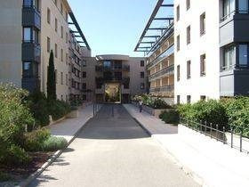 Rental apartment Avignon 795€ CC - Picture 1