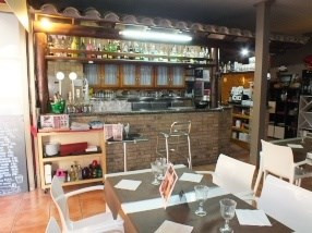 Location local commercial Roses centre 1 667€ HC - Photo 3