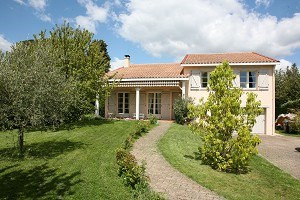 Location maison / villa Pibrac 1950€ CC - Photo 2