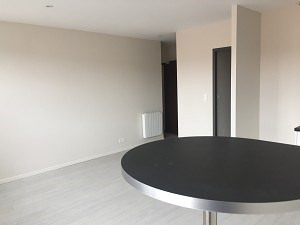 Sale apartment L'isle jourdain 73 000€ - Picture 1
