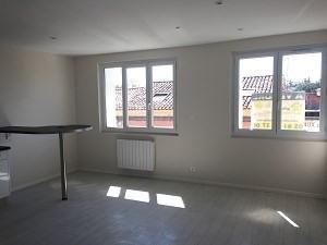 Sale apartment L'isle jourdain 75000€ - Picture 2