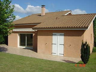 Location maison / villa Lucenay 1 470€ +CH - Photo 1