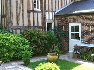 Vente maison / villa Lisieux 355950€ - Photo 1