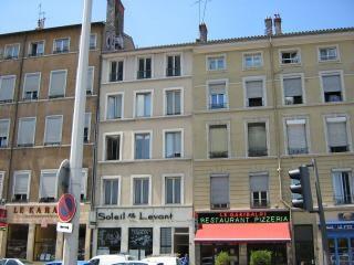 Location appartement Lyon 3ème 506€ CC - Photo 1
