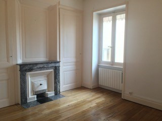 Location appartement Oullins 642€ CC - Photo 2