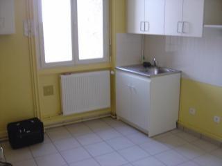Location appartement Bron 691€ CC - Photo 2