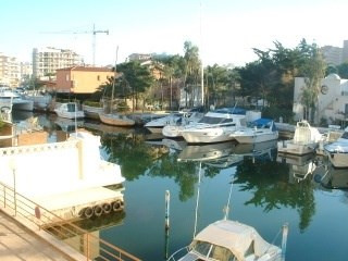 Sale apartment Roses santa-margarita 80 000€ - Picture 1