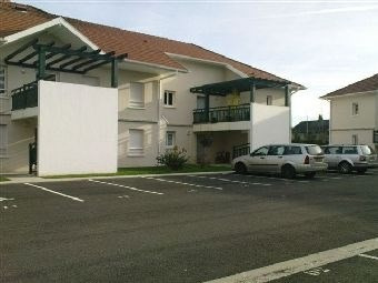 Rental apartment Artix 655€ CC - Picture 1