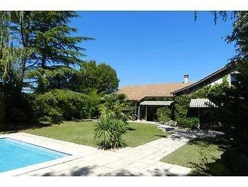 Deluxe sale house / villa Irigny 720 000€ - Picture 1