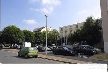 Location appartement 14 350€ CC - Photo 1
