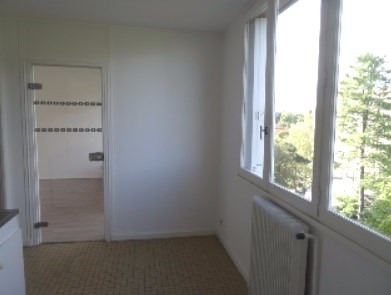 Location appartement Villefranche-sur-saône 755€ CC - Photo 2