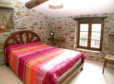 Sale house / villa St pierre montlimart 278900€ - Picture 6
