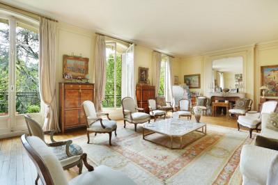 Neuilly-sur-Seine. A magnificent duplex apartment