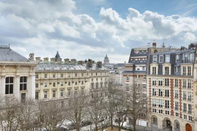 Paris Ier - Place Dauphine