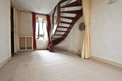 Duplex atypique au dernier étage